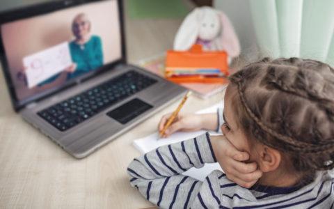 Де шукати відеоуроки, навчальне відео та подкасти?